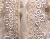 Tissue Holder Case - Cream Moire with Lace
