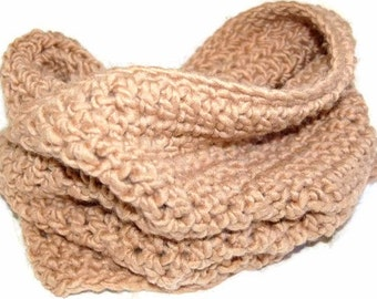 Bulky Chunky Cowl in taupe