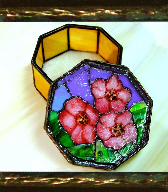 A Scarlet Flax Mosaic on a Stained Glass Octagonal Box