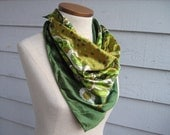 "Vintage 60s Moss Green Paisley Vintage Poly Silk Scarf - 26"" x 26"""