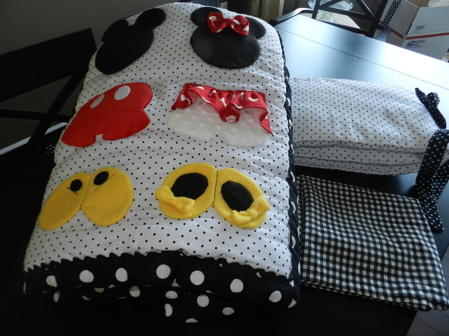 Mickey And Minnie Mouse 4 Piece Crib Set