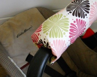 Reversible Car Seat Arm Pad -- Bursts of Flowers