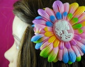 Skeleton Cameo On Pink Tie-Dye Daisy Flower No Slip Alligator Hair Clip