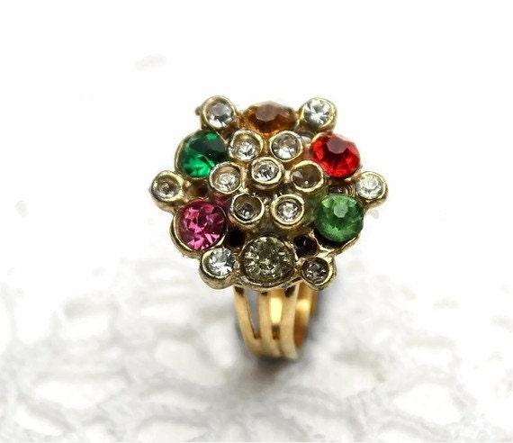 Ring with bling. Shabby glamor.  OLD SCHOOL BLING