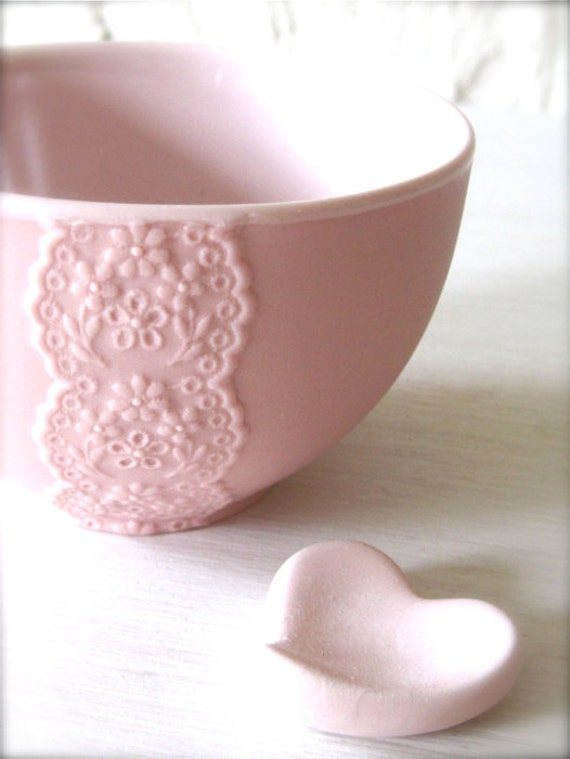New Pink Porcelain Lace Bowl with Heart Cutlery Rest Set -Hideminy Lace Series