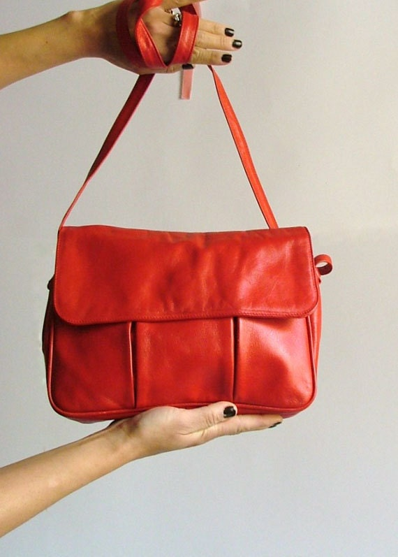 80s Leather Bag Red Purse / cross body bag