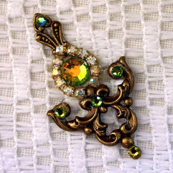 Paradise Green Bindi in Oxidized Brass