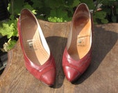 vintage 1970s rust suede leather shoes