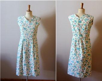 vintage 1950s pastel tones flowers dress