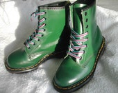 Deep Green Docs - childs US size 2.5  - EU 34 -  UK 2  - in excellent vintage condition
