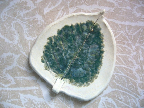 Dark Jungle Pottery Leaf Spoon Rest