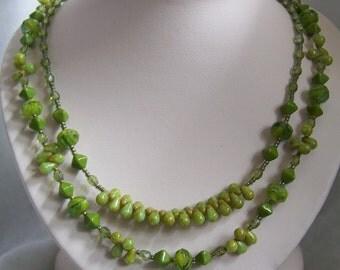 Chartruse necklace & earrings set