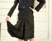 Ruffle back wool skirt - size small