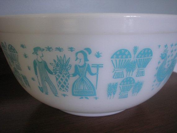 Vintage Aqua and White Pyrex Butterprint Bowl