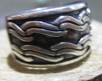 Vintage Sterling Silver Hopi Design Indian Wave Ladies Ring Size 5 Wide Band