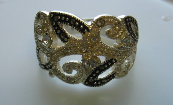 Vintage Sterling Silver Ladies Ring with Marcasites and Rhinestones Silver and Black Filigree Design Size 6 1/2