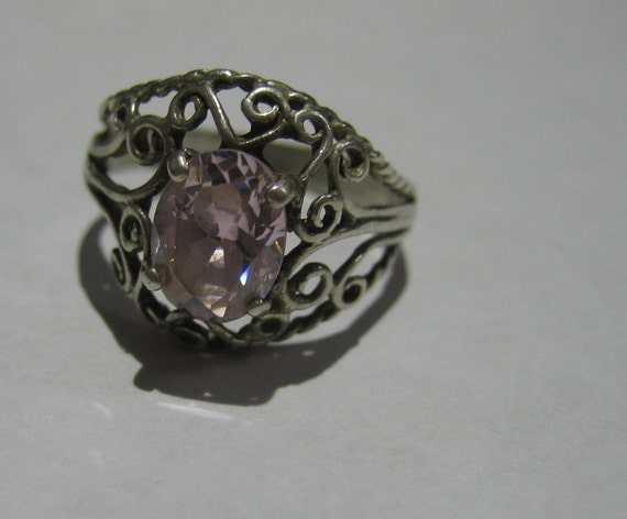 Vintage Sterling Silver Small Filigree Style Ring with Pink Ice Gemstone Ladies Size 6