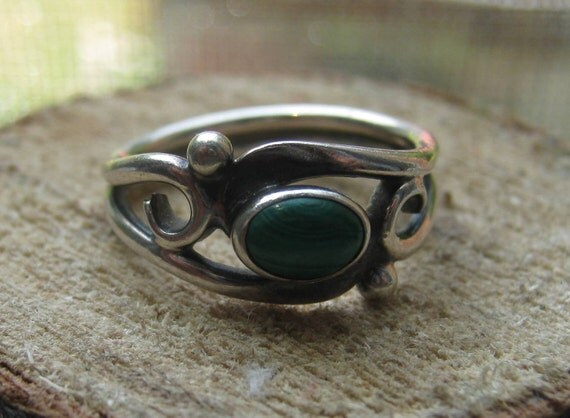 Small Southwestern Vintage Sterling Silver Ring with Malachite Stone Ladies Size 4 1/2 Childrens or Pinkie Ring