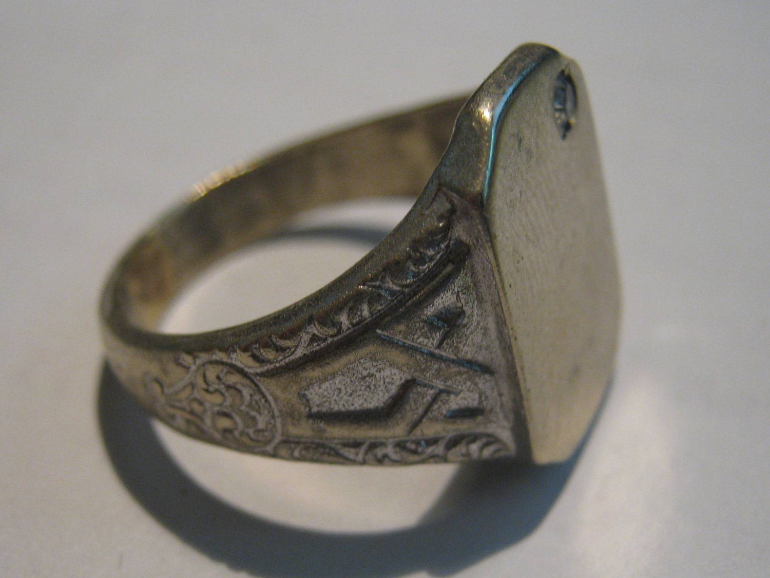 vintage uncas sterling silver mens ring with small