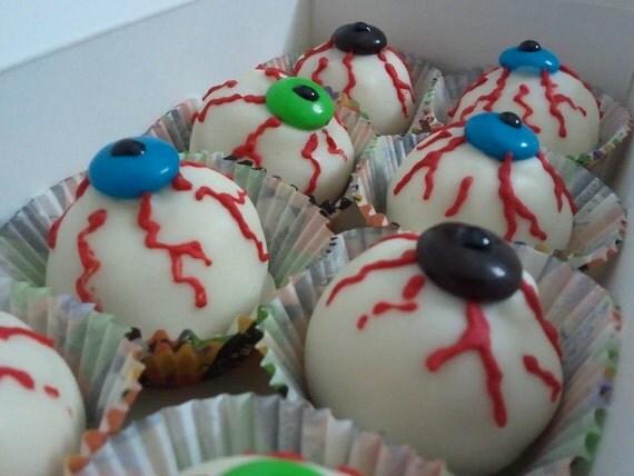 Creepy Eyeball Cake Bites (8 pk)