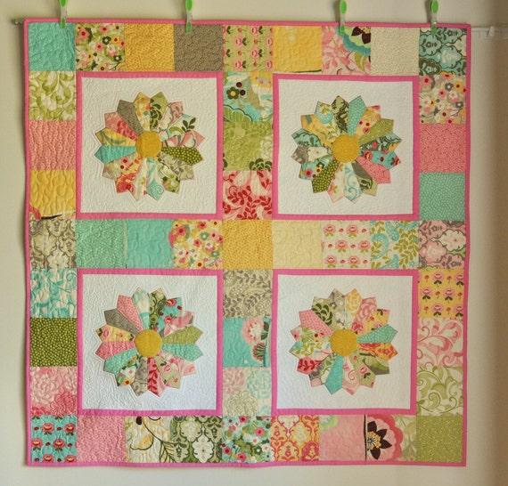 Modern Quilt Patchwork Bright cotton Dresden Plate