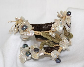 Keishi Freshwater Pearl Tropical Raffia Bracelet