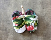 Soft Baby Shoes size 0 to 9 months in French Vintage Fabric