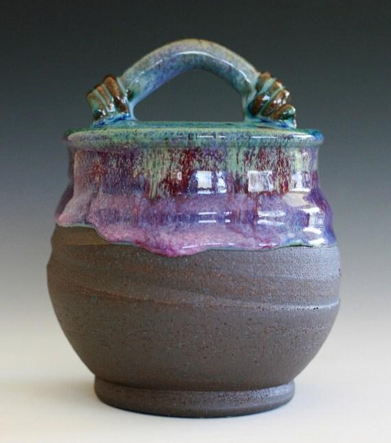 Ceramic jar, Holds 27 oz