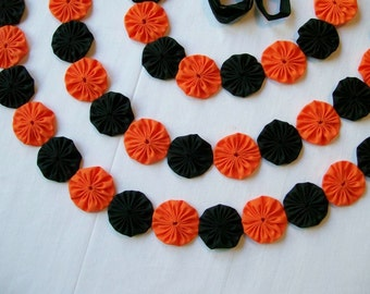Halloween Black and Orange10 ft. Yo Yo Garland Banner with  3 ft Ties on Each Side
