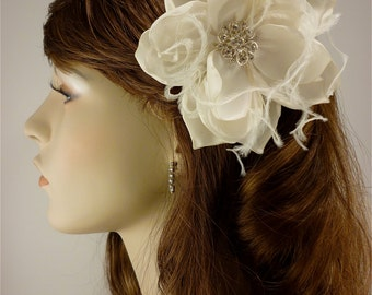 Bridal Fascinator, Ivory Gardenia, Bridal Flower Fascinator, Bridal Headpiece, Bridal Hair Clip, Rhinestone Hair clip