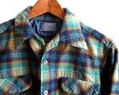 Vintage Pendleton Green / Navy Plaid Wool Shirt Womens L / Mens S