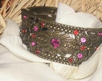 SALE Vintage Bracelet, Wide Elastic, Brass Color, Victorian Inspired, Hot Pink Stone