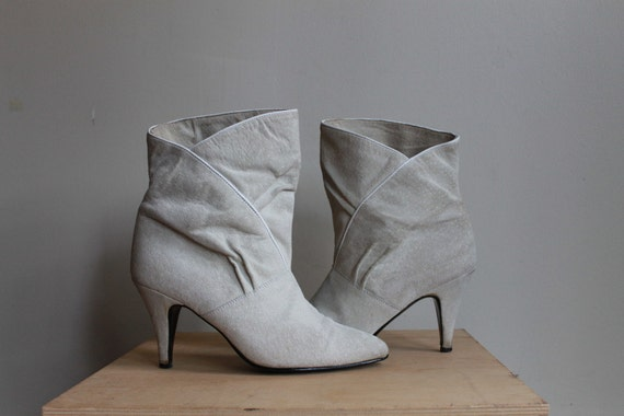White Suede Ankle Boots  /  High Heels Vintage 80s Slouchy Rocker Boots  /  9