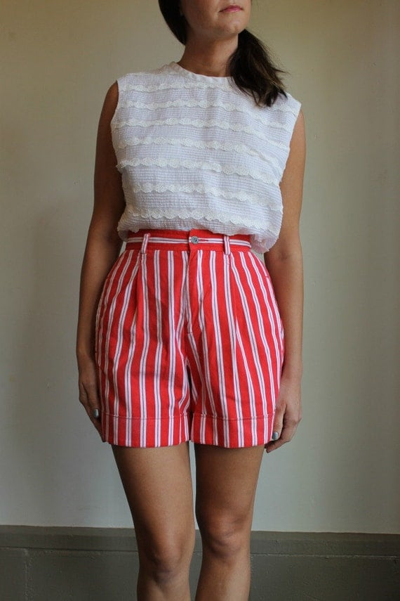 Vintage 80s Shorts /  High Waist Striped Red and White Shorts  /  Extra Small or Small