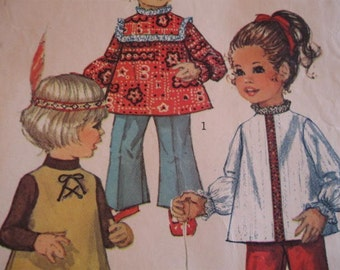 Vintage Late 60's Cute Toddlers Top and Bell-bottom Pants Simplicity 8522 Size 3 pattern