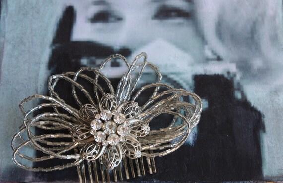 Vintage Beaded Rhinestone Flower Hair Comb