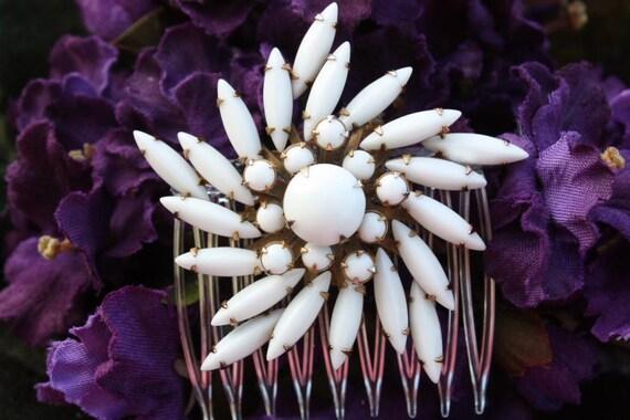 Bridal Hair Comb, White Hair Comb, Bridal Hair Accessories, White Flower Hair Comb, Vintage Hair Comb
