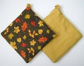 Potholder Set: Thanksgiving Falling Golden Leaves