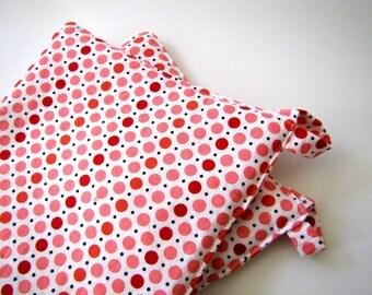 Set of 2 Potholders: Valentine Polka Dots