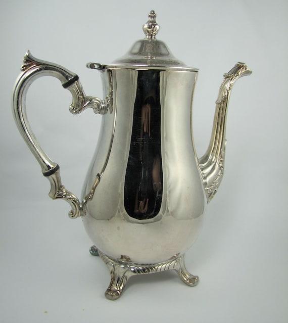 vintage silver tea pot international silver by. Black Bedroom Furniture Sets. Home Design Ideas
