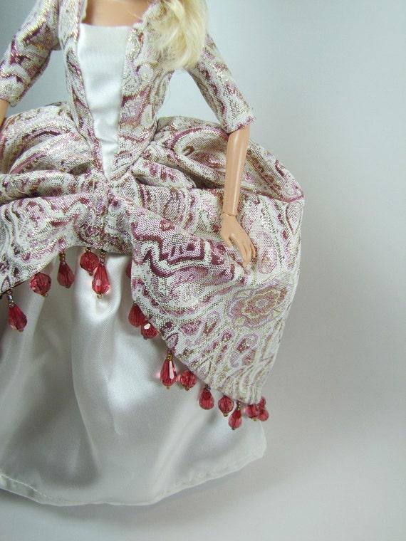 Royal Barbie dress set: Guinevere of Camelot