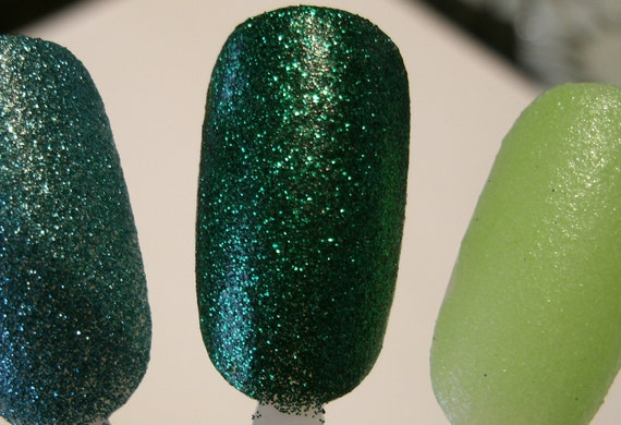 SUMMER SALE - New Limited Edition Extra Long Wear Emerald Glitter Nail Lacquer - Professional Formula Contains No Formaldehyde, Dbp