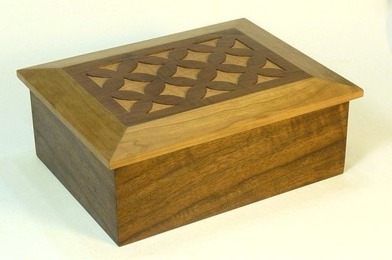 Keepsake Box in Walnut and Cherry with Decorative Fretwork Lid