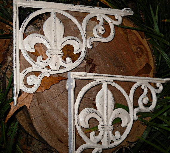 SUMMER SALE Cast Iron Shelf Brackets / Shabby Chic Brackets / Shabby Chic Decor