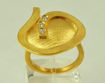 22K Solid Gold, Handcrafted Ring with Diamonds, No. 028-6
