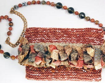 Silk Agate - Handbag in rust with ruffles and beads