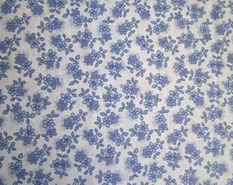 Fat Quarter - Blue Flowers