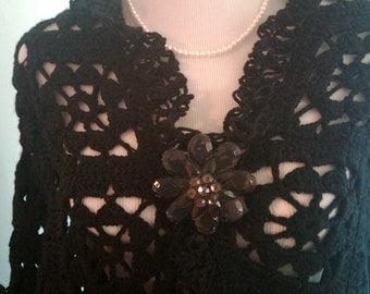 Elegant black shawl, very nice made