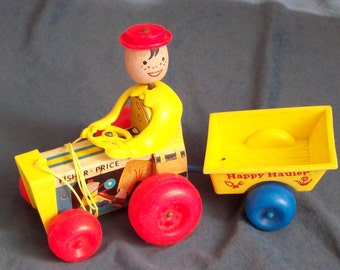 Fisher-Price 732 HAPPY HAULER 1968-70 pull toy