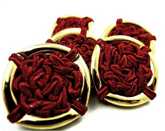 Buttons, red thread 5pcs